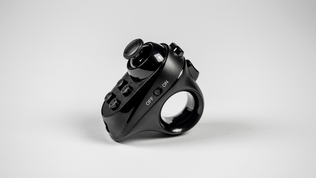 Zijkant Magicsee R1 controller Virtual-Reality